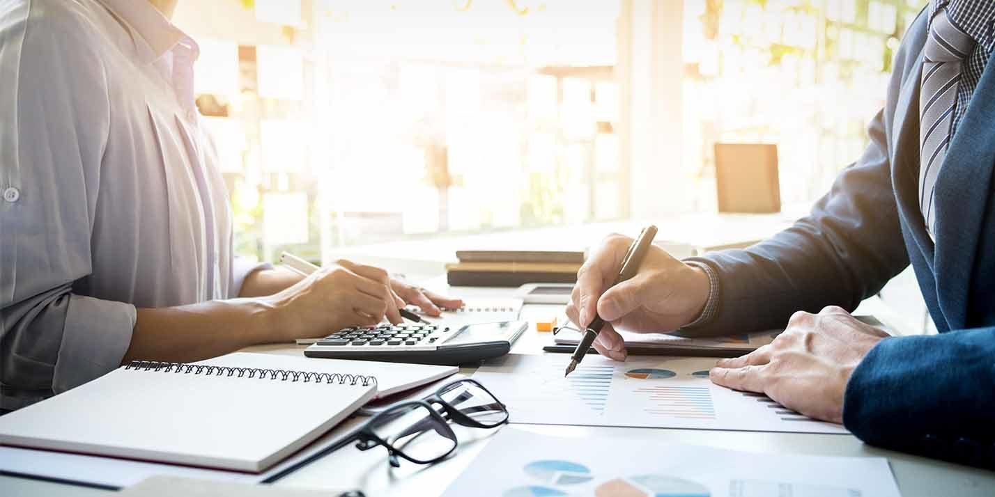 The Difference Between an Accountant and a Bookkeeper in Mississauga