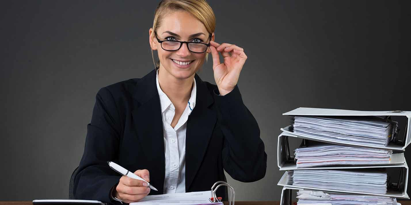 If you are working as an independent contractor in Canada, you might want to go through some of these tips for paying your income tax
